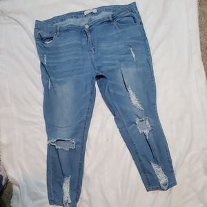 Sz 22 Almost Famous Distressed Jeans